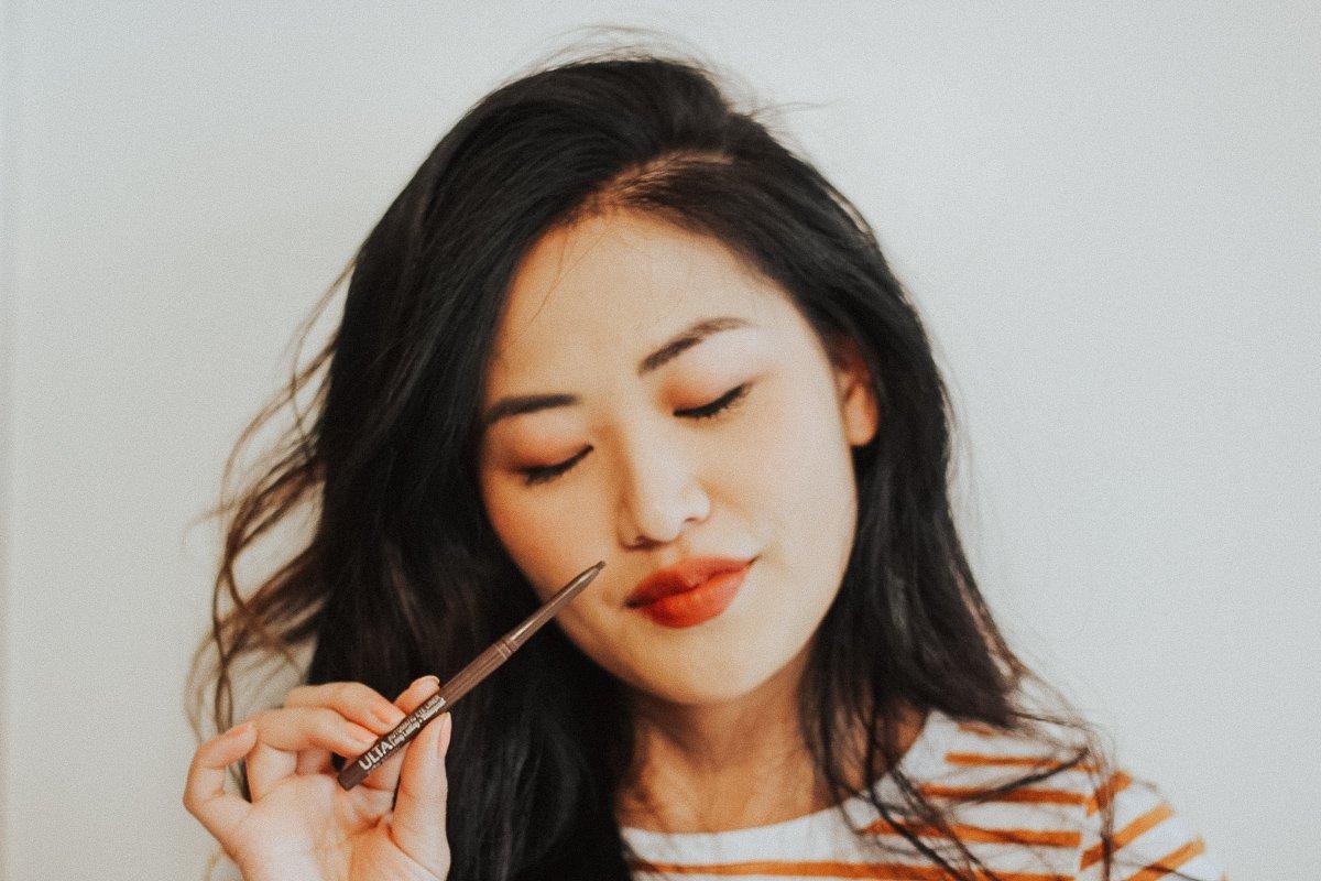 """(alt=""""girl-asian-black-hair-ulta-brown-eyeliner"""")"""